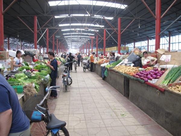 Beijing-China-Photograph-Open-Air-Market-3