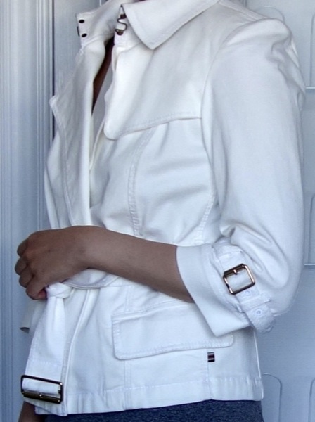 Burberry-London-White-Cotton-Twill-Belted-3:4-Sleeve-Coat-1