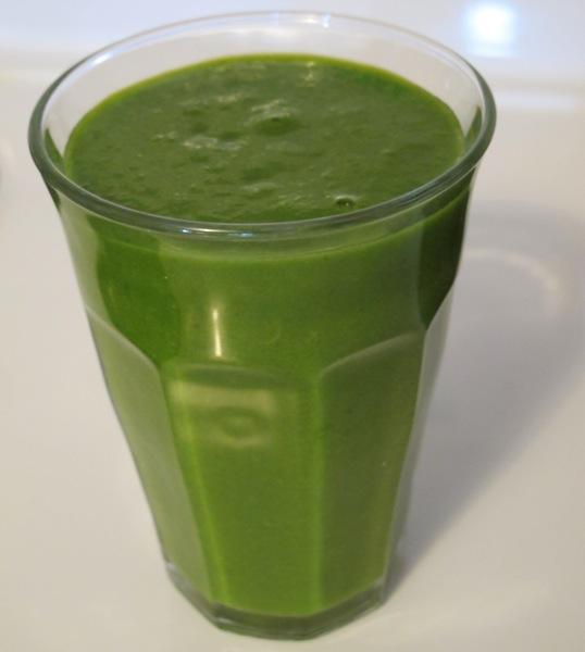 Green-Smoothie-Drink-Vegetable-2