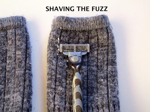 How-to-remove-fuzz-pilling-sweater-socks-wool-shaving-razor_SHAVING