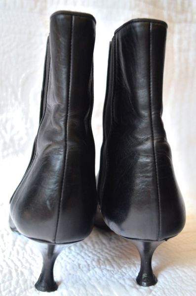 Manolo-Blahnik-Ankle-Boots-Heel-3