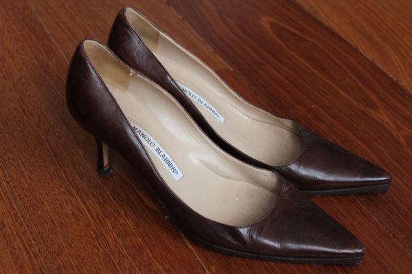 Manolo-Blahnik-Light-Brown-Short-Heels-Side-3