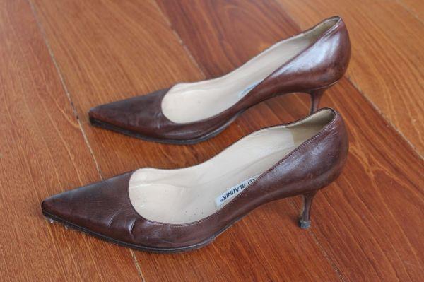 Manolo-Blahnik-Light-Brown-Short-Heels-Side5
