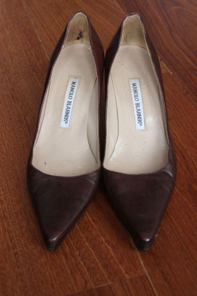 Manolo-Blahnik-Light-Brown-Short-Heels-Toes