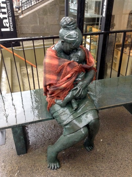 Montreal-Lovely-Statue-Sherbrooke-Mommy-and-Baby-2