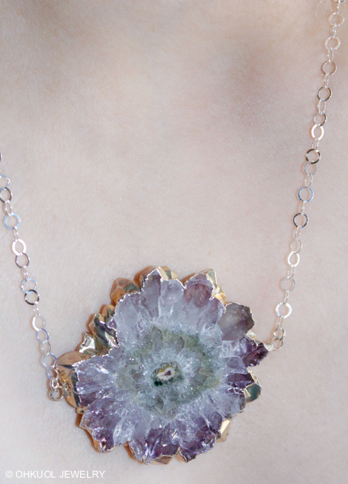 OhKuol_Stalactite-Flower-Geode-Slice-Necklace-2