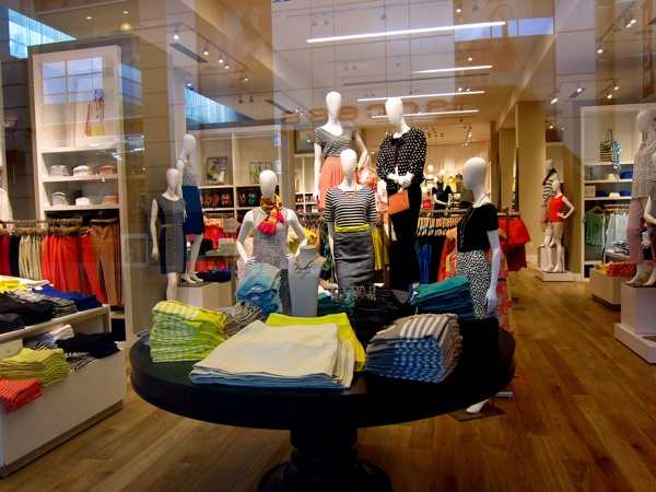 Photograph-Shopping-Clothes-Closet-Wardrobe-5