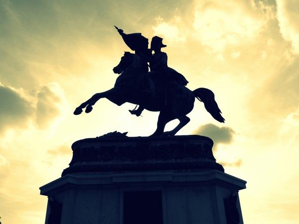 Photograph-Travel-Brussels-Belgium-Statue-Pride-Loyalty-War