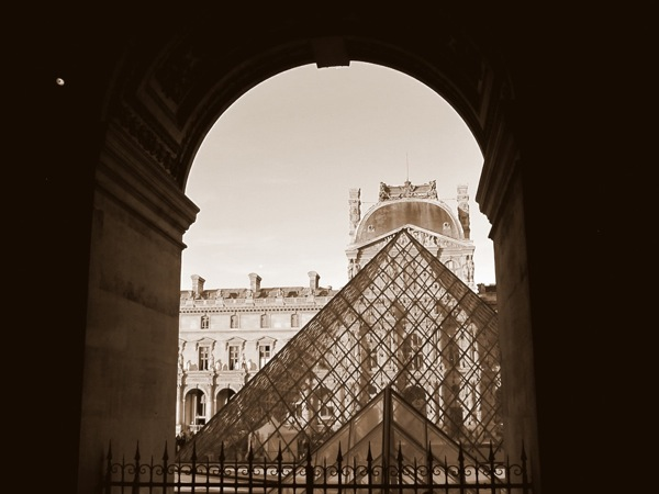 Photograph-Travel-Paris-France-Europe-Louvre-Museum-Sepia