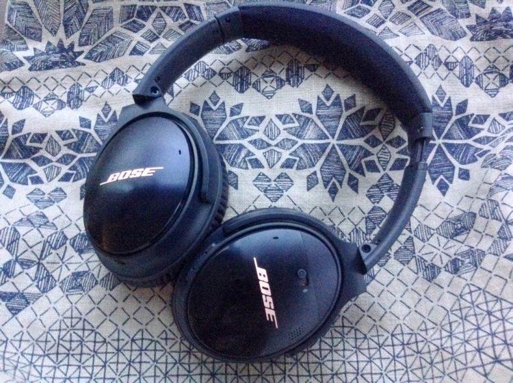 http://www.savespendsplurge.com/blogger-review-bose-quiet-comfort-35-noise-cancelling-headphones/