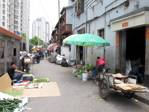 Shanghai-China-Photograph-Alleyway-Store-Beside-Garbage