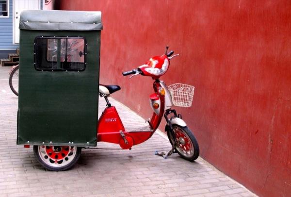 Shanghai-China-Photograph-Motorcycle-Tuk-Tuk-Red