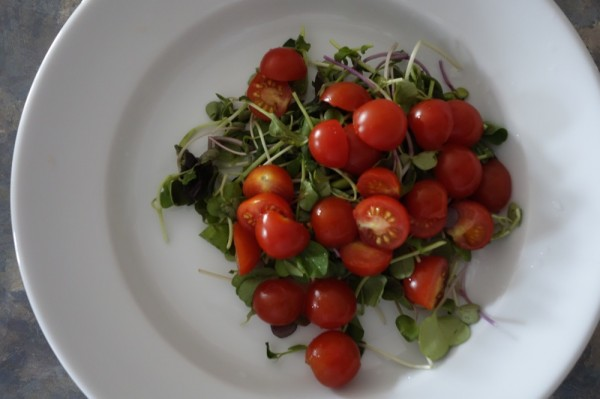 Sony-RX100-Salad-Food-Photograph-Tomatoes-Eating-Vegan-Meal