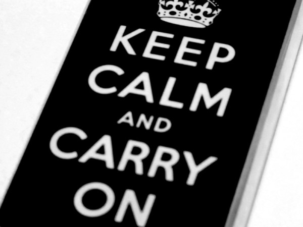 Technology-iPod-Keep-Calm-and-Carry-on-Crown-Music-Listen-6