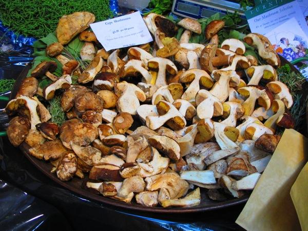 Travel-Photograph-London-England-Mushrooms-Food-Market-Covent-Garden-3