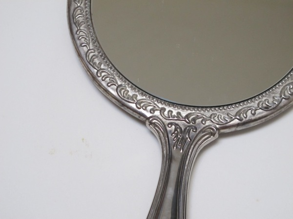 Vintage-Silver-Plated-Hand-mirror-Front