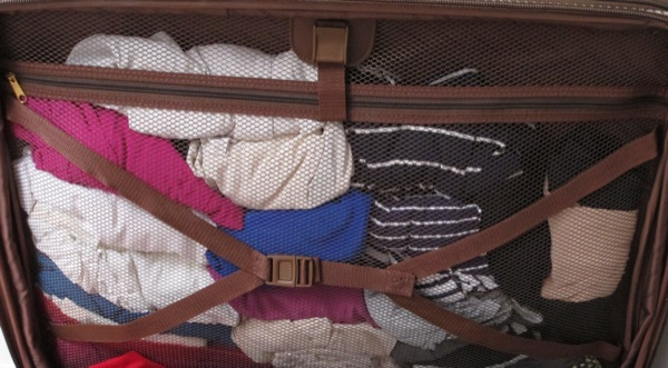 Wardrobe-Suitcase-Packing-Closet-Clothes-Tops