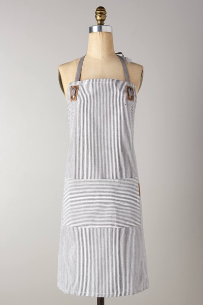 anthropologie-portsmouth-grey-motif-apron