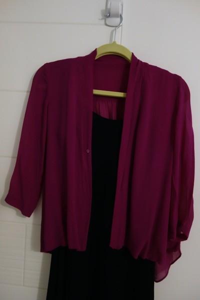 aritzia-magenta-drapey-top-cut
