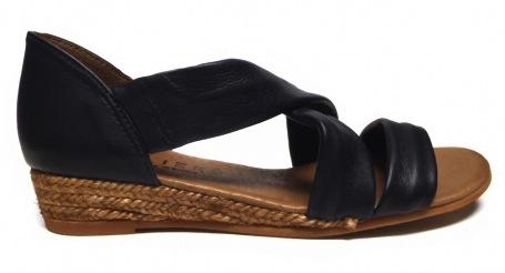 atelier-nunca-nettie-dark-grey-sandals