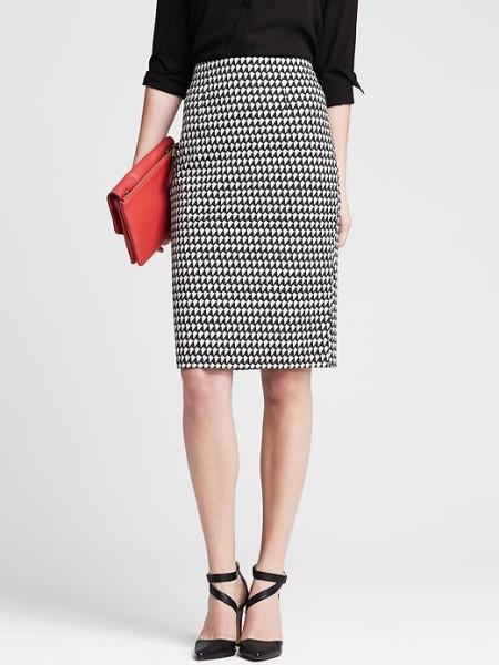 banana-republic-geometric-pencil-skirt