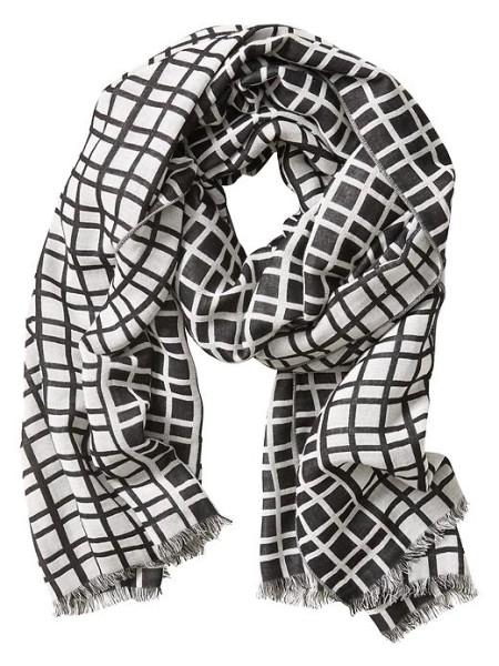 banana-republic-hannah-windowpane-black-and-white-scarf