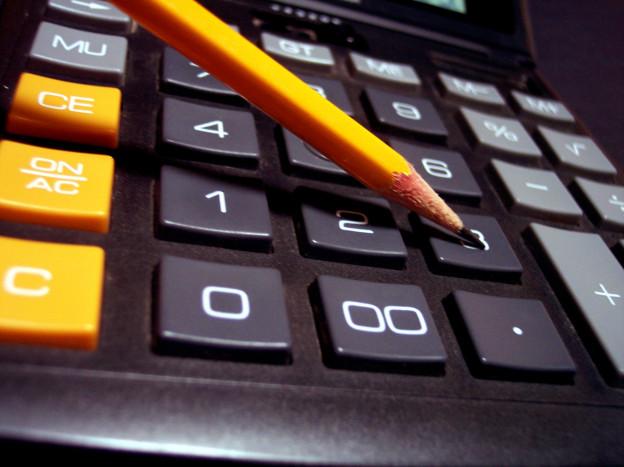calculator-money-numbers-bills