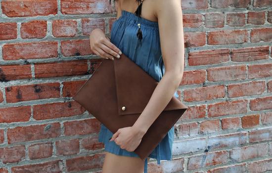 clutch-leather-envelope-DIY