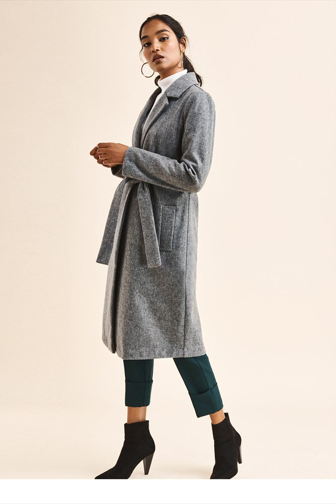 https://www.dynamiteclothing.com/ca/long-belted-coat/p/100045040.product