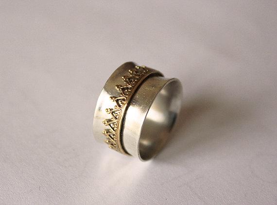 etsy-paramithi-spinner-ring