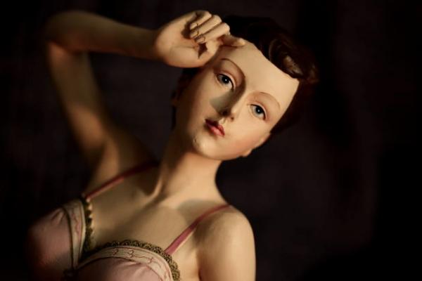 girl-rich-glamorous-doll-woman