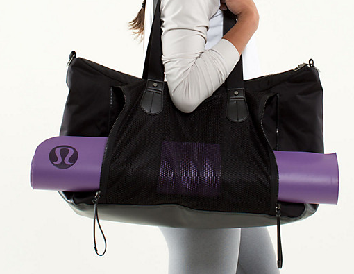 lululemon-duffel-bag
