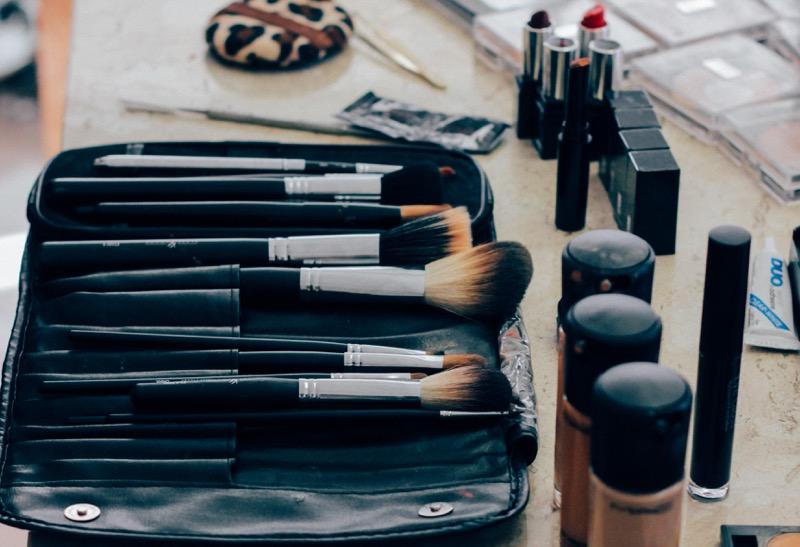 makeup-beauty-brushes-women
