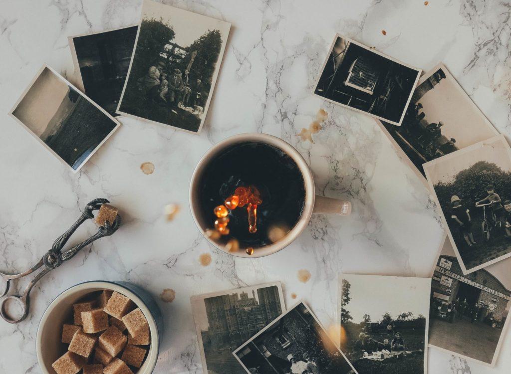 memories-life-family-photos-minimalism-drink-coffee-zen