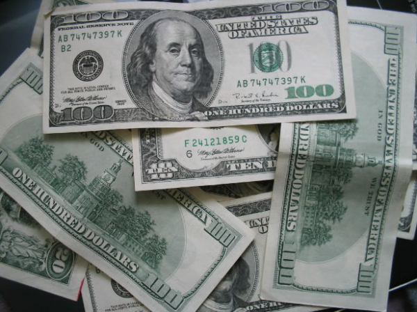 money-us-dollars-hundreds-cash-bills