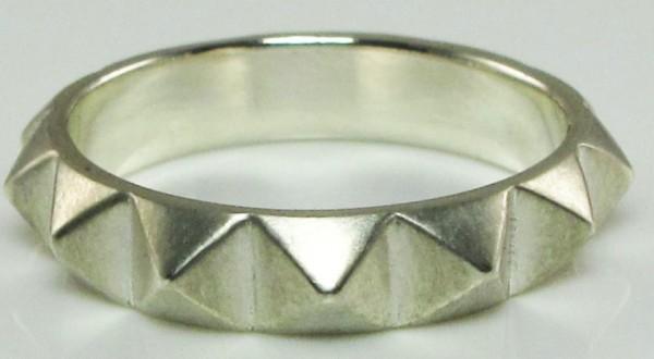 rachel-quinn-jewelry-large-pyramid-ring