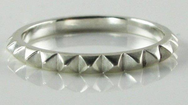 rachel-quinn-jewelry-tiny-pyramid-ring