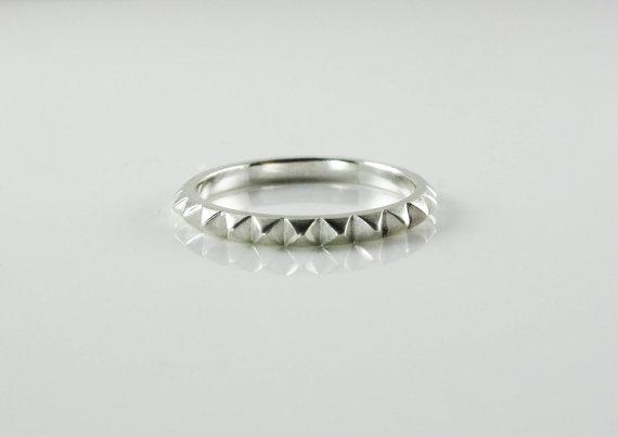 rachelquinnjewelery-ring-spiked-pyramid