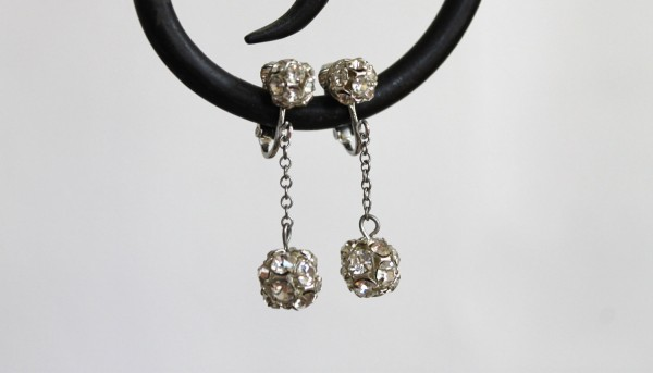 sonnetandbough-rhinestone-1960s-earrings