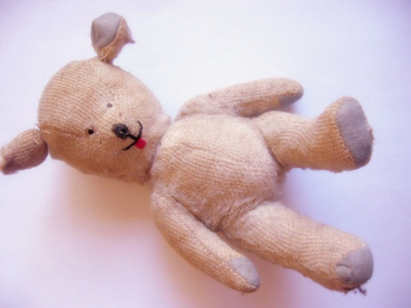 stock_teddy-bear-toy-old