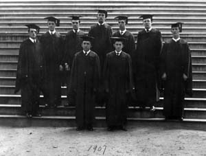 university-of-delaware-162nd-commencement-graduating-class-old